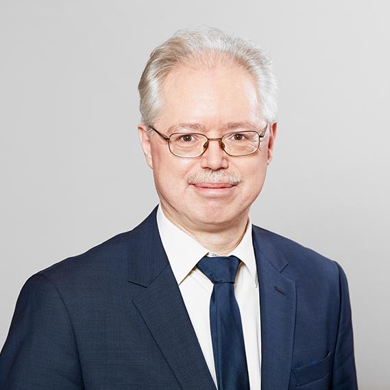 Dr. Frank Götz